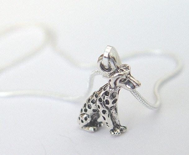 dalmatian-necklace2.jpg
